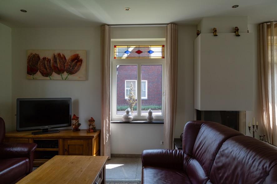 Nieuwbouw, kunststof kozijnen, kunststof deuren, glas-in-lood, rolluiken, horren in Castenray (9)