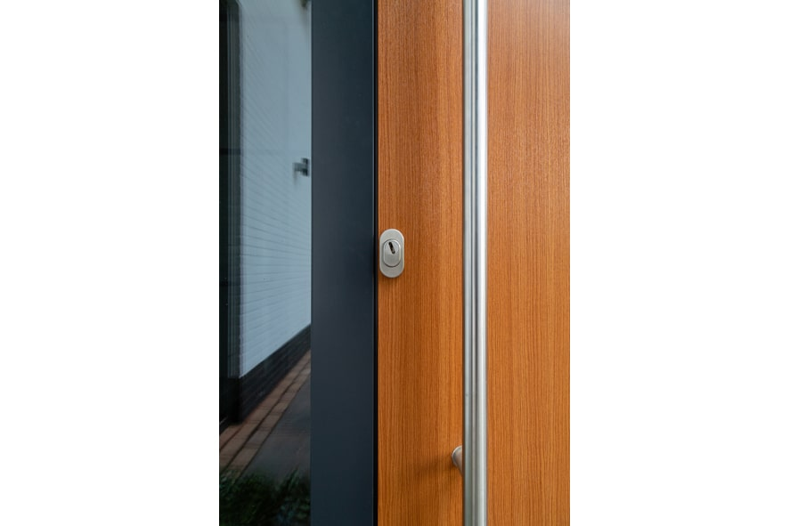 Renovatie,-Aluminium-voordeur-in-St1-min