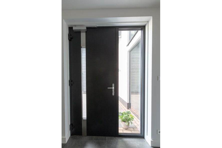 Renovatie,-Aluminium-voordeur-in-St3-min