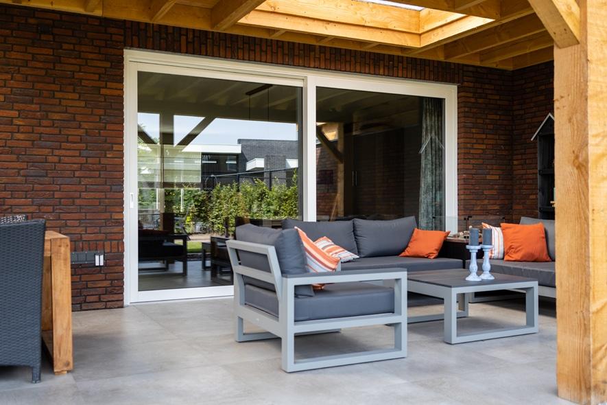 Nieuwbouw, kunststof kozijnen, kunststof deuren, aluminium deuren, schuifpui, garagedeuren in Uden