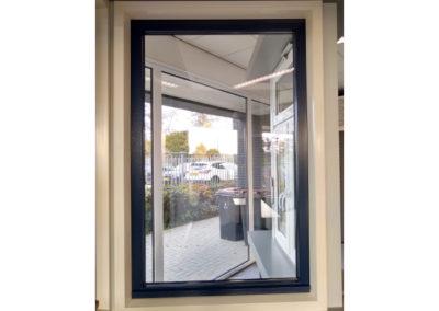Kunststof raam, verdiept liggend profiel