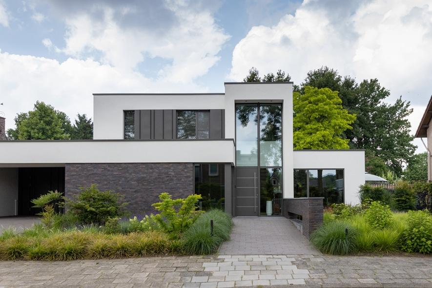 Nieuwbouw, aluminium kozijnen, aluminium deuren in Deurne (1)