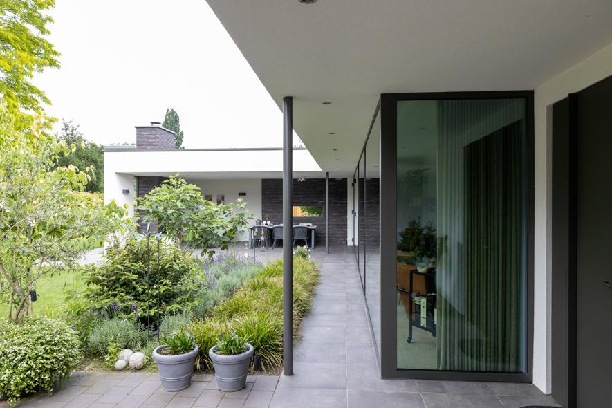 Nieuwbouw, aluminium kozijnen, aluminium deuren in Deurne (16)