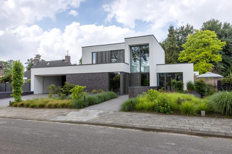 Nieuwbouw, aluminium kozijnen, aluminium deuren in Deurne (2)
